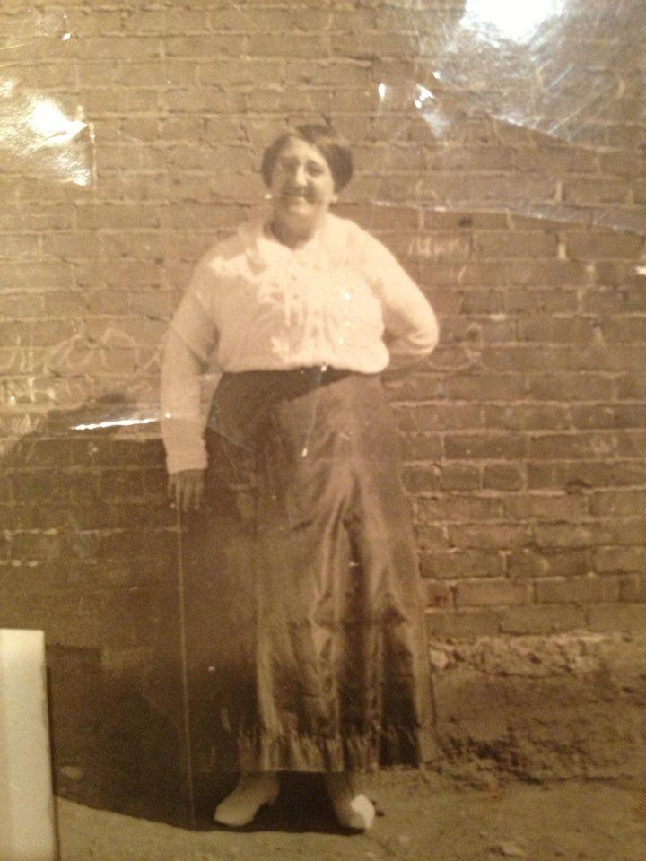 Evelina Tourville Bissonnette (1879-1956) - Sarah Di Lallo collection